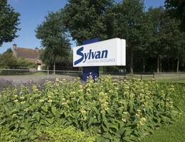 Sylvan verschonert Betriebsgarten